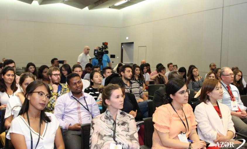 Beynəlxalq Multikulturalizm Yay Məktəbinin iştirakçıları Ermənistanın işğalçılıq siyasətinin nəticələri barədə məlumatlandırılıb